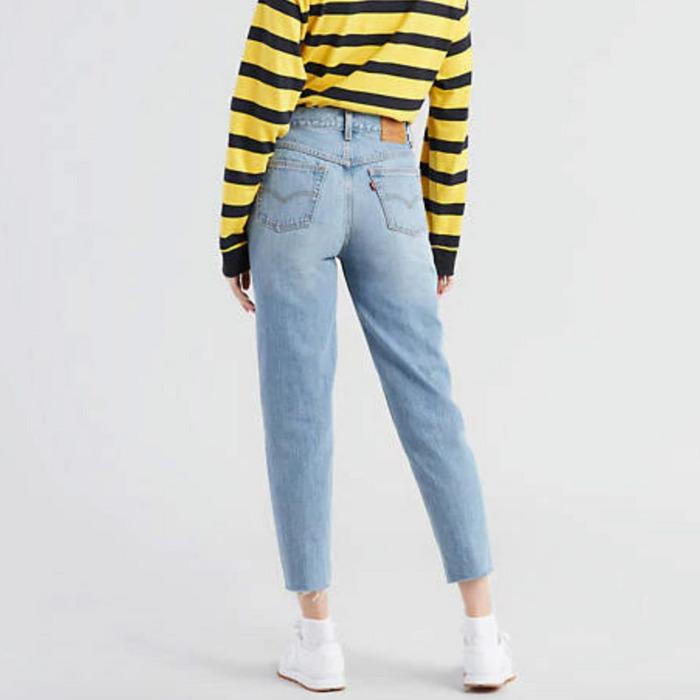 mom jeans como se usan