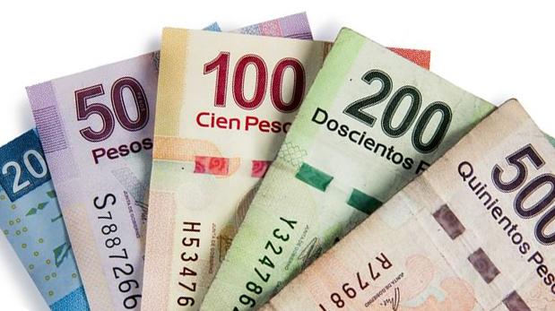 Varios billetes mexicanos
