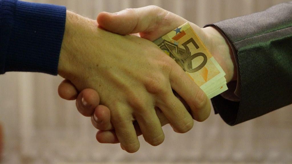 personas al obtener un préstamo
