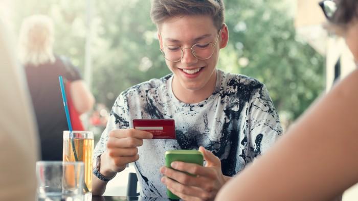Empieza a generar tu historial crediticio